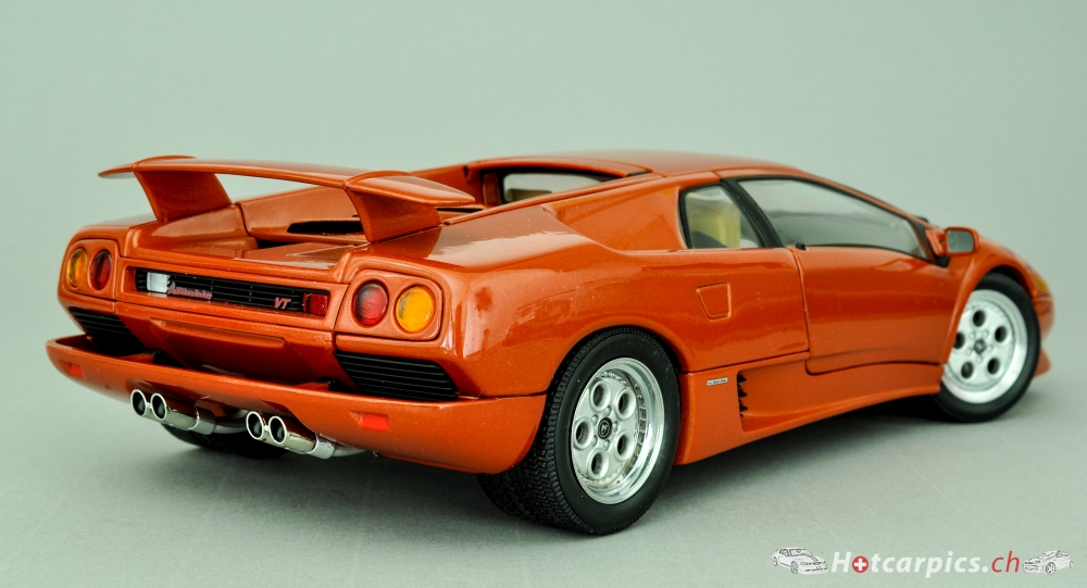 lamborghini diablo vt autoart lamborghini. Black Bedroom Furniture Sets. Home Design Ideas